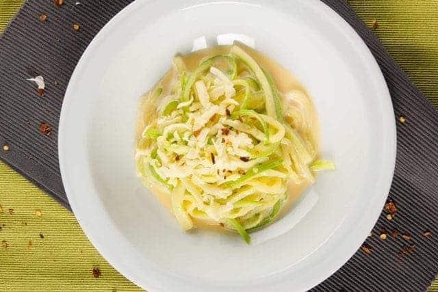 Спагети от тиквички със сос Формаджи