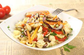 Тосканска паста салата със зеленчуци на грил