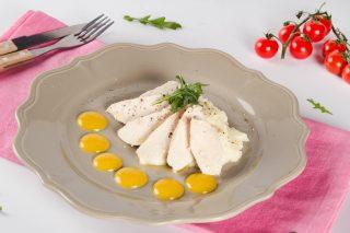 Су-вид пиле със зеленчуково пюре